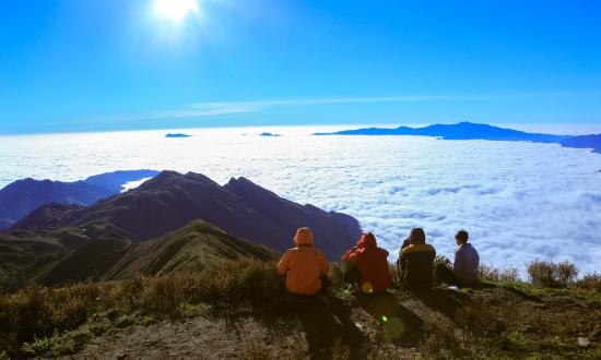 Meditours: Trekking Tà Chì Nhù - Đồi Hoa Tím Trên Mây