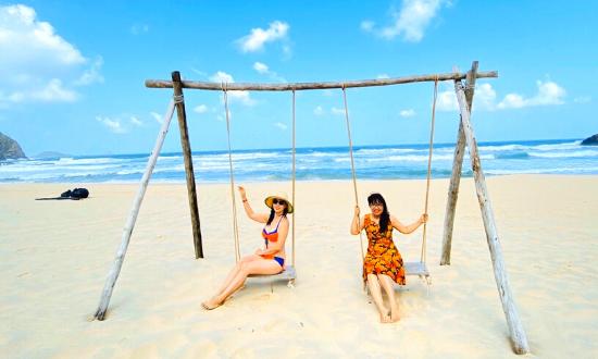 Meditours: Quảng Bình - Khám Phá Động Thiên Đường, Suối Moọc, Biển Nhật Lệ